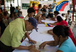 Colecta de firmas promovida por el régimen venezolano.