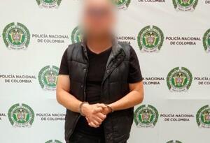 el hombre engañaba a niñas de 15 años para fotografiarlas desnudas y abusar de ellas.