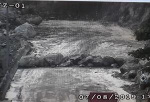 Derrumbe via al Llano