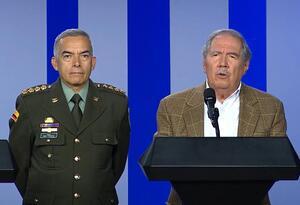 El ministro de Defensa, Guillermo Botero, y el director de la Policía Nacional.