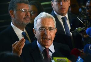 Álvaro Uribe: mi esposa y mi familia no quieren que esté más en el Congreso