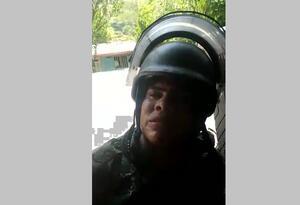 Soldado reclama en medio de combates en Puerto Valdivia (Antioquia)