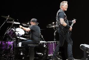 Lars Ulrich y James Hetfield, baterista y vocalista de Metallica