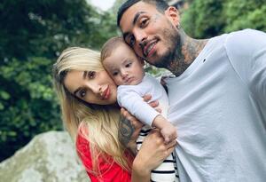 Melina Ramirez, Mateo Carvajal y su hijo Salvador.