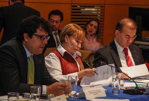 Ministra del Trabajo, Alicia Arango, encabeza mesa de concertación salarial.