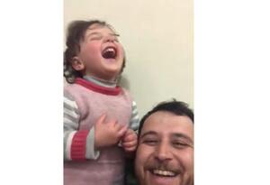 Padre hace feliz a su hija en medio de guerra en Siria