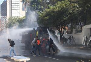 ENFRENTAMIENTOS ENTRE EL ESMAD Y ENCAPUCHADOS