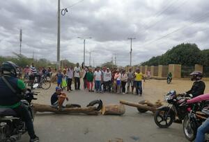 La comunidad protesta por la falta de agua aseguran que tienen más de un mes sin el preciado líquido
