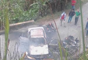 Un carro y cuatro motos incineradas en el Catatumbo