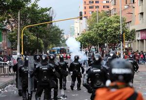 Disturbios avenida Caracas - Febrero 21