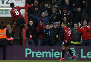 Jéfferson Lerman celebra gol con Bournemouth ante Chelsea