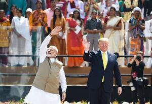 Donald Trump y el primer ministro indio Narendra Modi.