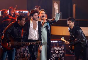 Sebastián Yatra y Reik en los Latin Grammy