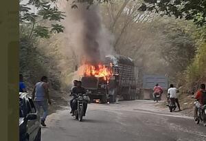 Incendiaron tractomula en el Catatumbo
