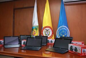 Los computadores fueron instalados en las cárceles El Pedregal y Bellavista.