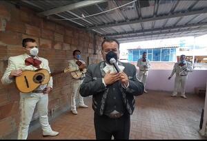 Mariachis en medio de la cuarentena