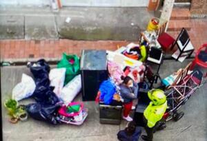 Familia desalojada en Engativá en medio de pandemia