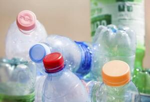 El propósito es reducir las grandes cantidades de plástico de un solo uso que están contaminado ríos, mares y océanos