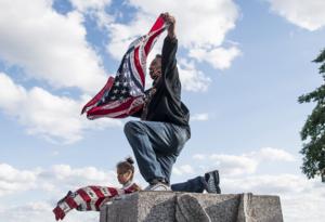 Vandalizan estatuas en EE.UU.