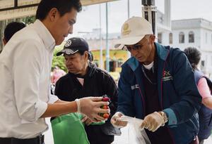 Cambio Verde, estrategia para cambiar residuos reutilizables por comida