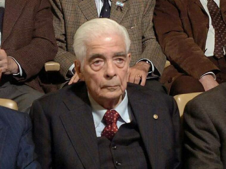 Luciano BenjamínMenéndez.