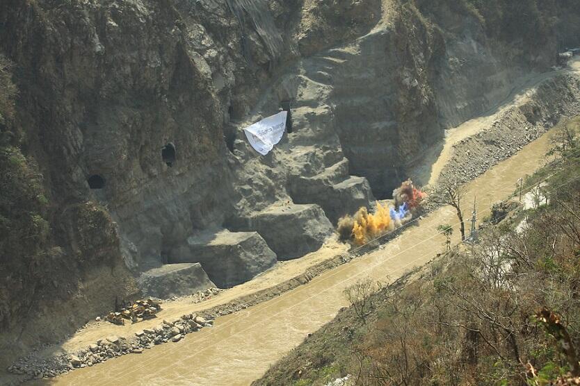 Desbordamiento del río Cauca genera evacuaciones en Antioquia