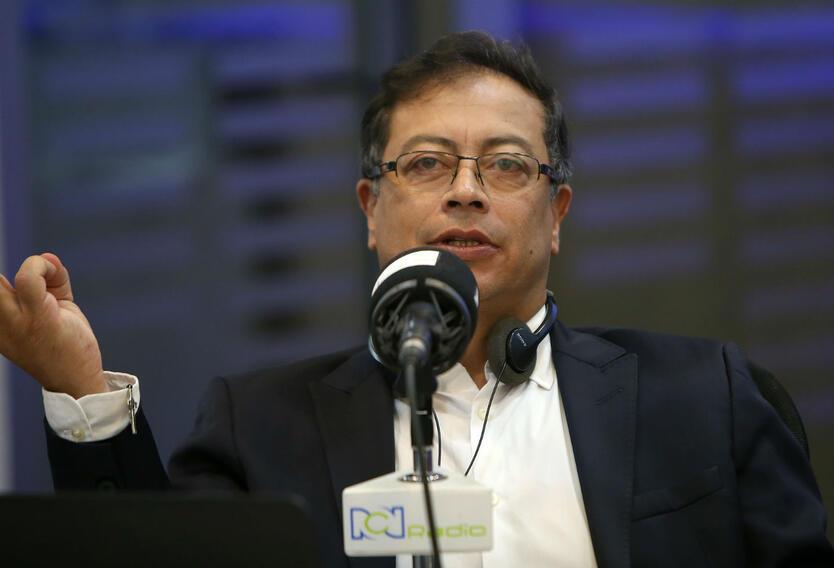 Gustavo Petro en RCN Radio