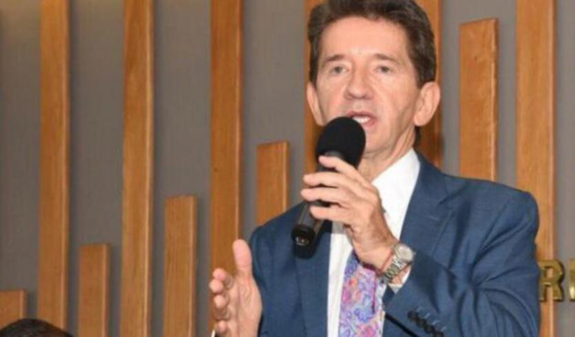 El gobernador de Antioquia, Luis Pérez, ha arremetido contra EPM