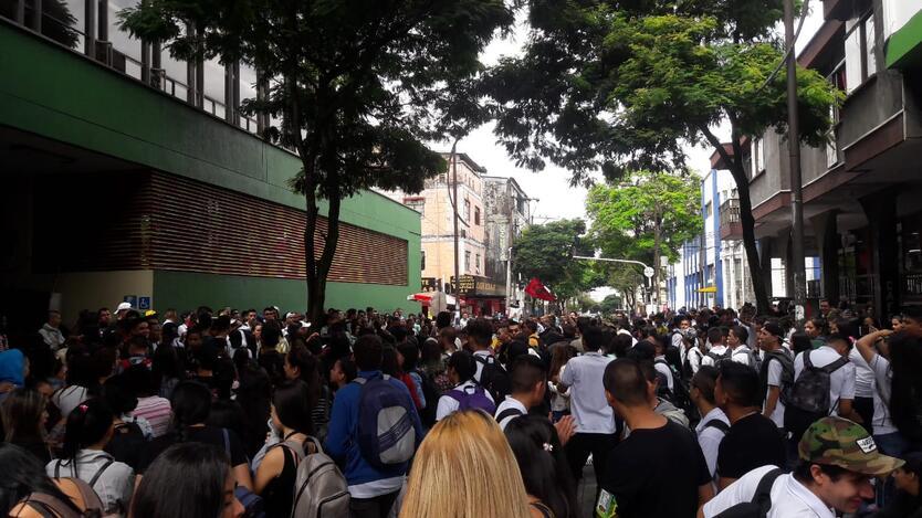Foto RCN RAdio- Estudiantes Marcha Pereira- Gustavo Ossa