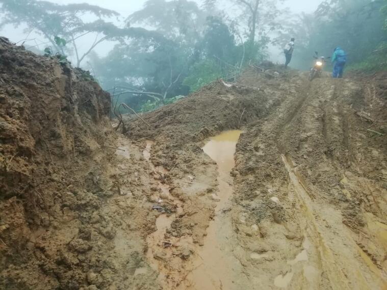 Dos derrumbes cayeron en San Luis, Antioquia.