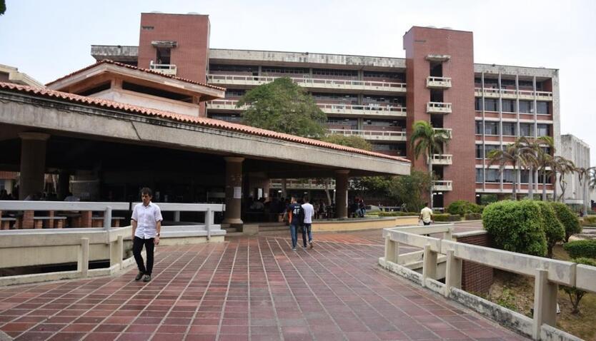 Más de 8 mil estudiantes votaron en contra de retomar las actividades académicas.
