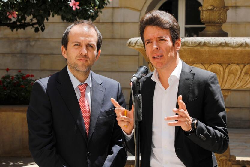 Rigoberto Urán con el director de Coldeportes Ernesto Lucena