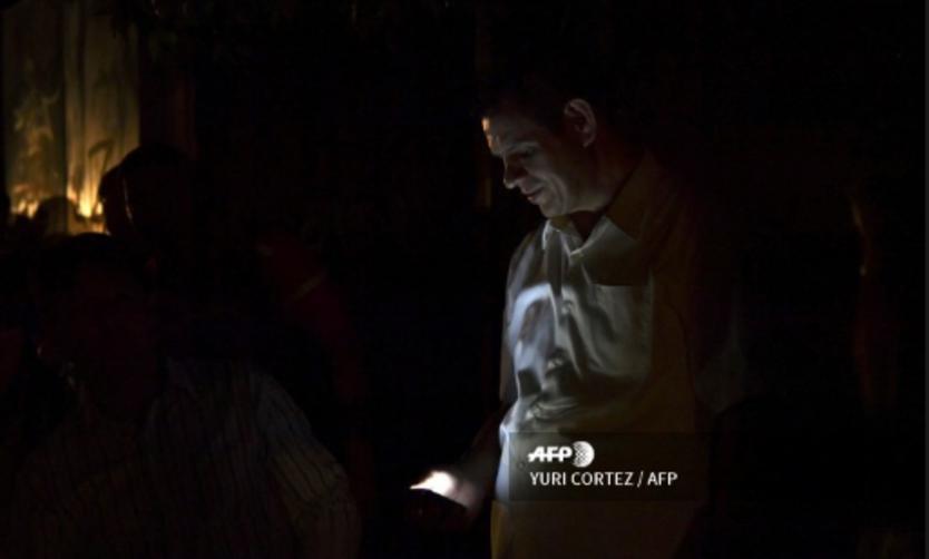Maduro ordena racionar 30 días la electricidad tras nuevo apagón