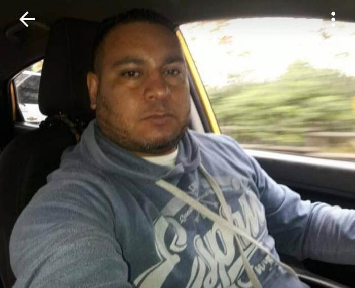 Alex Fabio Marín, taxista que devolvió $40 millones.