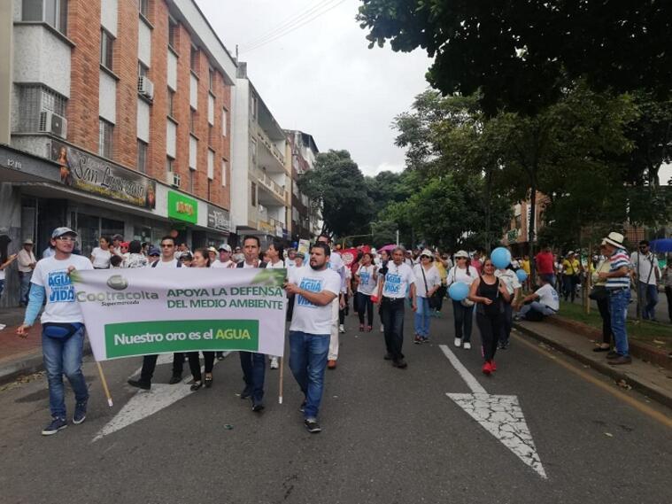 Al finalizar la marcha hubo conciertos de los grupos Herencia de Timbiquíy Aterciopelados.