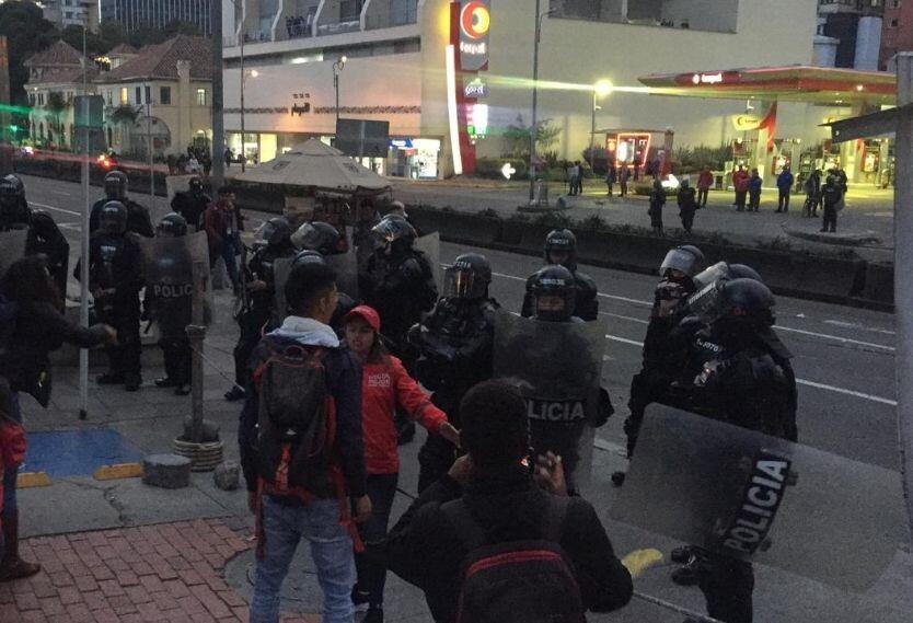 Protestas frente a la Javeriana