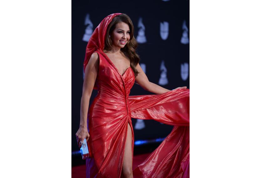 Thalia en la alfombra de los Grammy Latinos 2019