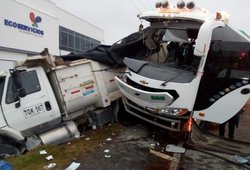 Accidente de tránsito en vía Facatativá