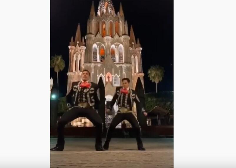 Maricahis bailando canción de Shakira