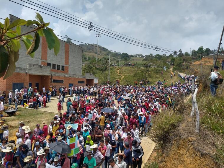 Desplazamiento de campesinos en Campamento, Antioquia
