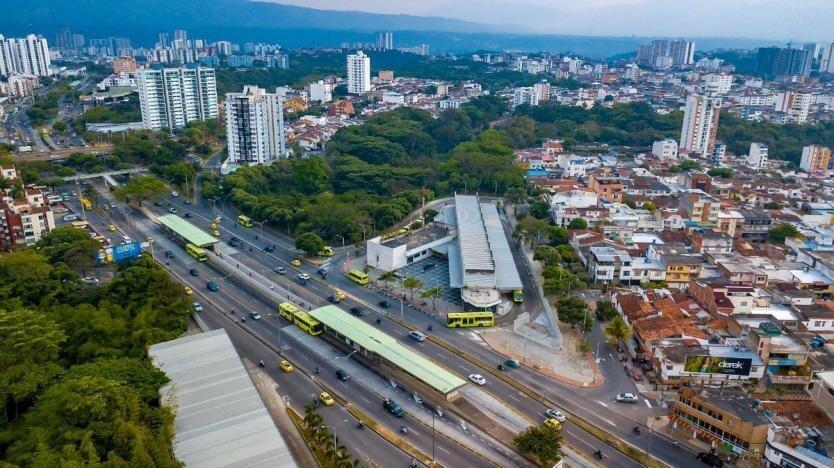 Alcalde de Bucaramanga propone que trabajadores de construcción y manufactura trabajen en turnos de 24 horas para evitar contagios por COVID-19.