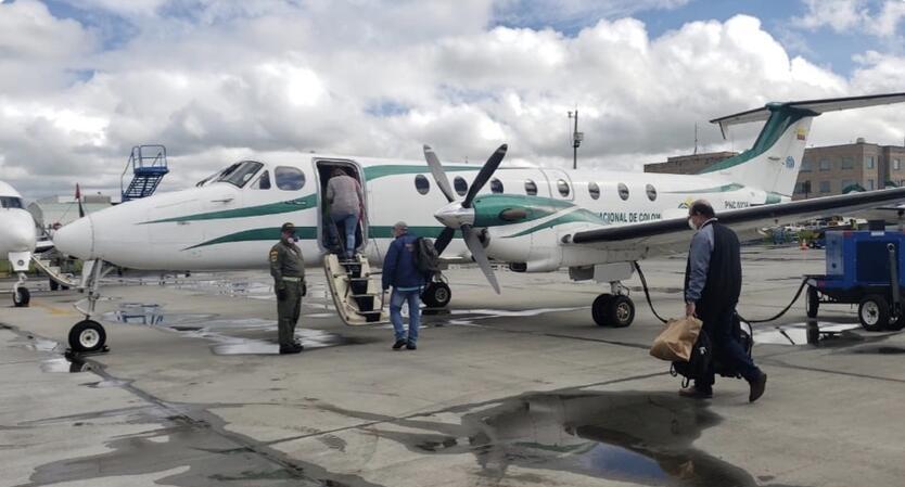 avión Policia