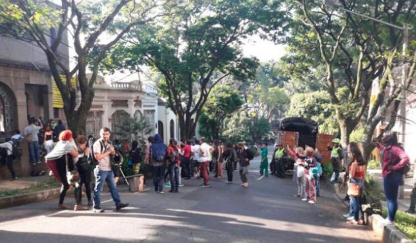 Presunto ladrón casi termina linchado cuando hurtaba a conductor de un bus en Medellín