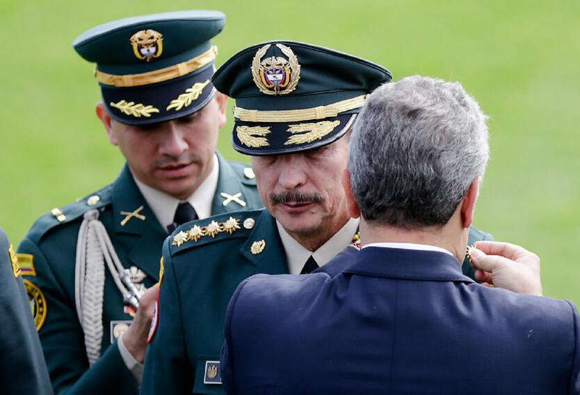 """General (r) NIcacio Martínez, a interrogatorio por """"chuzadas ..."""