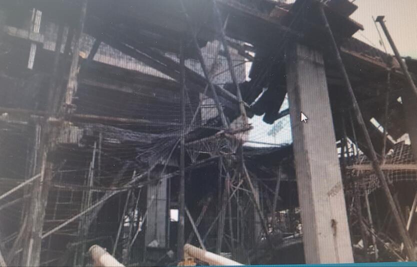 Los trabajadores fueron rescatados con vida