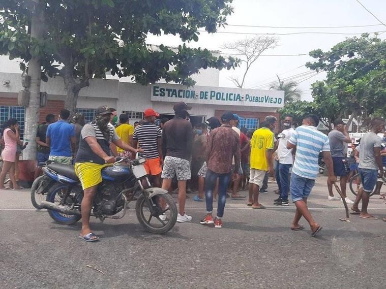 La comunidad se tomó las principales calles, la troncal del caribe y la estación de policía