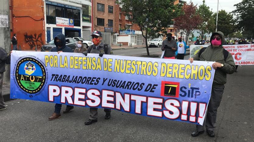 Protesta de trabajadores de concesionarios de transporte en Bogotá