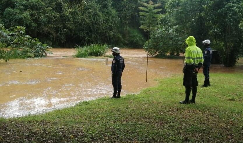 Las fuertes lluvias han originado emergencias en el sur de Santander.