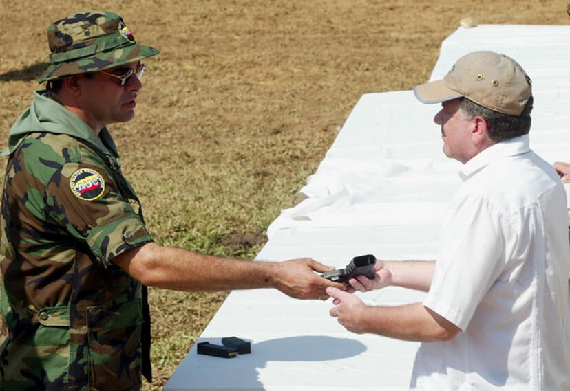 Tribuna espera que Mancuso sea extraditado a Colombia | RCN Radio
