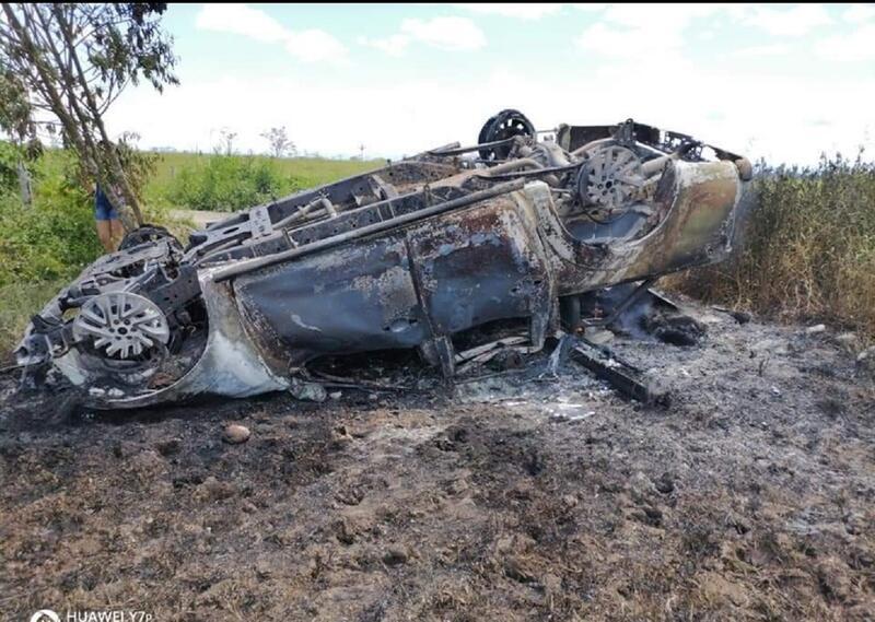 Camioneta de Cormacarena incinerada.